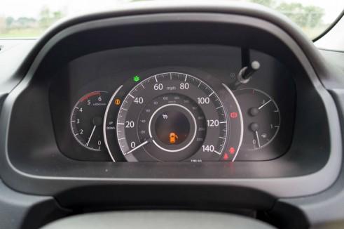 Honda CR V 1.6 i Dtec Review Instrument Dials carwitter 491x326 - Honda CR-V 1.6 i-DTEC Review – Diesel Sipper - Honda CR-V 1.6 i-DTEC Review – Diesel Sipper