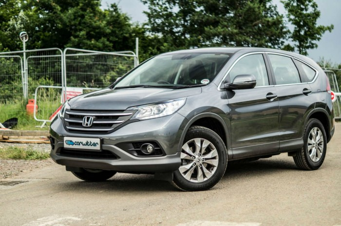 Honda CR V 1.6 i Dtec Review Side Angle carwitter 700x465 - Top 7 Cars with the Highest Resale Values in the US - Top 7 Cars with the Highest Resale Values in the US