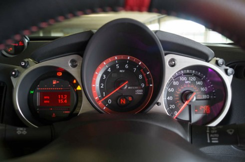 2014 Nissan 370Z NISMO Review Dials carwitter 491x326 - Nissan 370Z NISMO Review – Muscle Car - Nissan 370Z NISMO Review – Muscle Car
