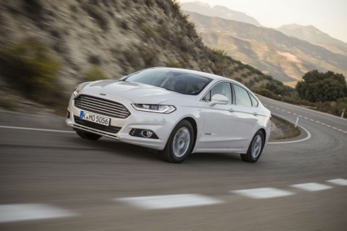 2015 Ford Mondeo Front Carwitter 491x327 - 2015 Ford Mondeo revealed - 2015 Ford Mondeo revealed