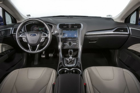 2015 Ford Mondeo Interior Dashboard Carwitter 491x327 - 2015 Ford Mondeo revealed - 2015 Ford Mondeo revealed