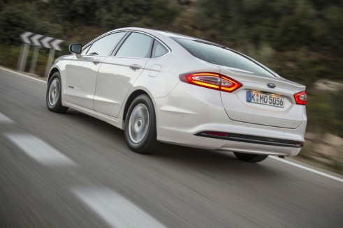 2015 Ford Mondeo Rear Carwitter 491x327 - 2015 Ford Mondeo revealed - 2015 Ford Mondeo revealed