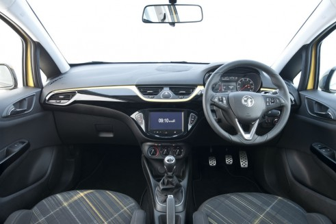 2015 Vauxhall Corsa Review - Dashboard - carwitter