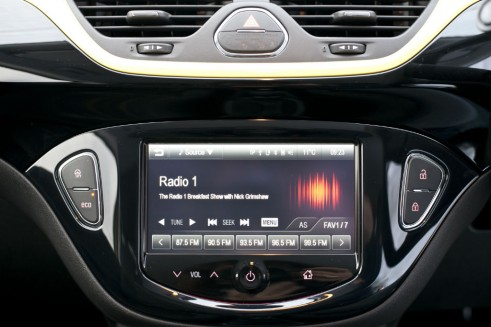 2015 Vauxhall Corsa Review - Infotainment - carwitter