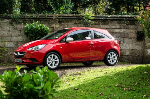 2015 Vauxhall Corsa Review - Side Scene - carwitter
