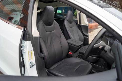Tesla Model S P85 Plus Review UK Front Seats carwitter 491x326 - Tesla Model S P85 Plus Review - Speed redefined - Tesla Model S P85 Plus Review - Speed redefined