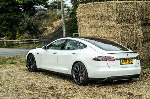 Tesla Model S P85 Plus Review UK Rear Angle carwitter 491x326 - Tesla Model S P85 Plus Review - Speed redefined - Tesla Model S P85 Plus Review - Speed redefined
