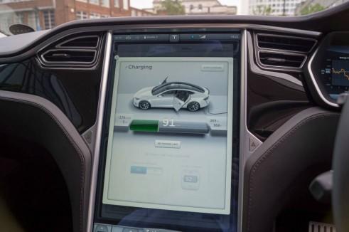 Tesla Model S P85 Plus Review UK Touchscreen carwitter 491x326 - Tesla Model S P85 Plus Review - Speed redefined - Tesla Model S P85 Plus Review - Speed redefined