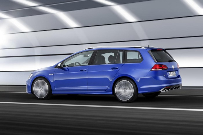 1262871890438609455 700x466 - VW Golf R Variant Unveiled Ahead of LA Motorshow - VW Golf R Variant Unveiled Ahead of LA Motorshow