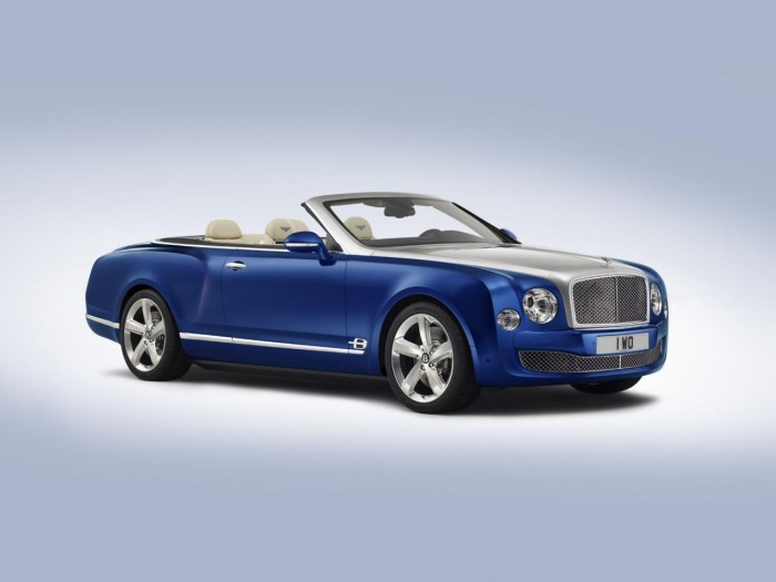 767896115302267574 700x525 - Bentley Grand Convertible Concept Revealed Ahead Of LA  - Bentley Grand Convertible Concept Revealed Ahead Of LA