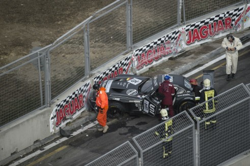 Blancpain Sprint Series Baku crash carwitter 491x327 - Blancpain Sprint Review 2014 - Blancpain Sprint Review 2014