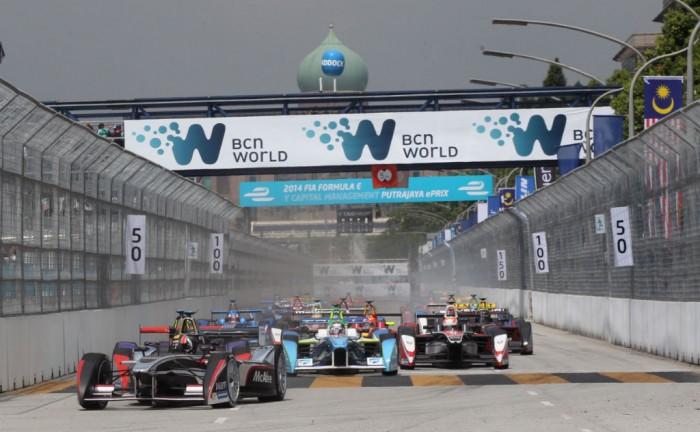 FIA Formula E Putrajaya ePrix 2014 009 700x432 - Formula E – Putrajaya – Sam Bird Dedicates Win to Jules Bianchi - Formula E – Putrajaya – Sam Bird Dedicates Win to Jules Bianchi