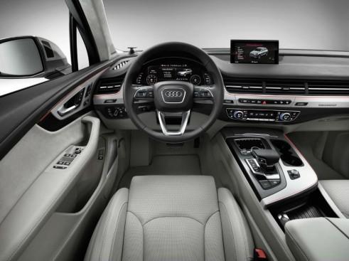 2015 Audi Q7 - Interior Dashboard - carwitter