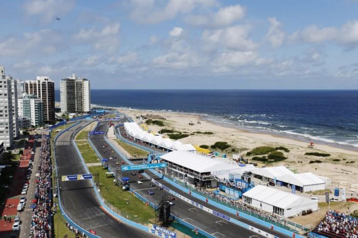 FIA Formula E Punta del Este ePrix 2014 005 700x467 - Formula E – Punta del Este – Buemi Wins Thriller - Formula E – Punta del Este – Buemi Wins Thriller