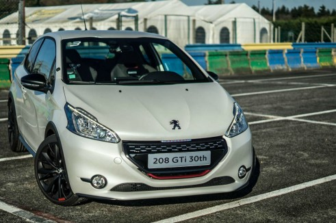 White Peugeot 208 GTI 30th Anniversary - Front Scene - carwitter