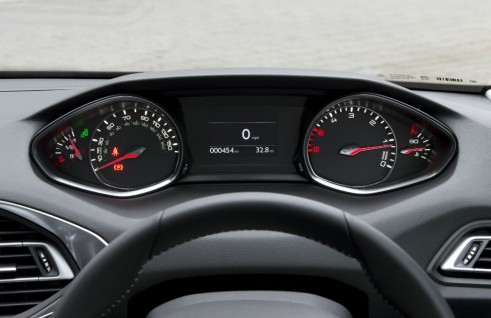 2015 Peugeot 308 1.2 THP - Dials - Carwitter