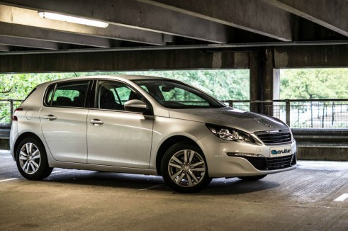 2015 Peugeot 308 1.2 THP - Side Close - Carwitter