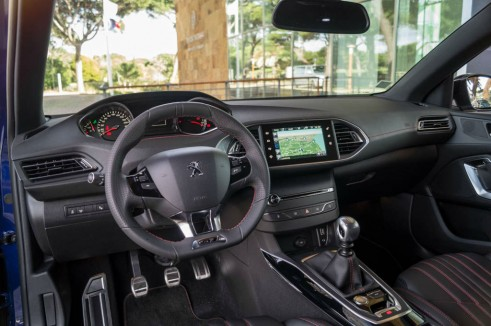 2015 Peugeot 308 GT Review - Dashboard - Carwitter