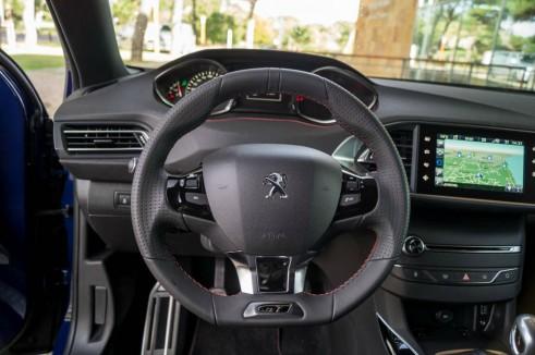 2015 Peugeot 308 GT Review - Steering Wheel - Carwitter