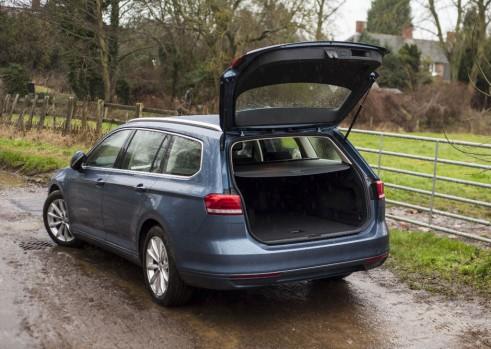 2015 Volkswagen Passat boot - carwitter