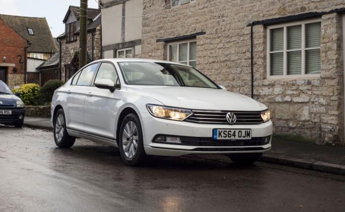 2015 Volkswagen Passat front 4 carwitter 700x432 - 2015 Volkswagen Passat Review - Refined - 2015 Volkswagen Passat Review - Refined
