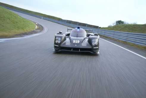 205 Porsche 919 rollout front 2 - carwitter