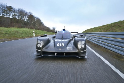 205 Porsche 919 rollout front - carwitter