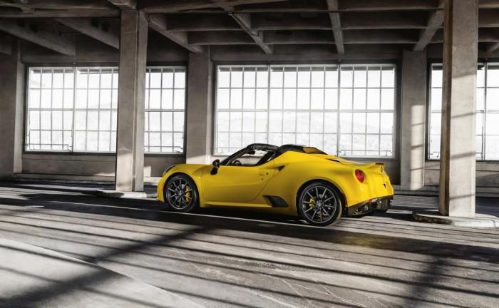 850456524882067668 700x432 - Alfa Romeo 4C Spider Debuts At NAIAS - Alfa Romeo 4C Spider Debuts At NAIAS