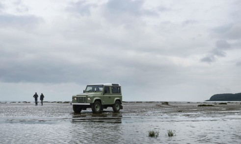 Land Rover Defender 2015 Heritage limited edition - Front Angle - carwitter