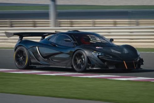 McLaren P1 GTR side 3 - carwitter