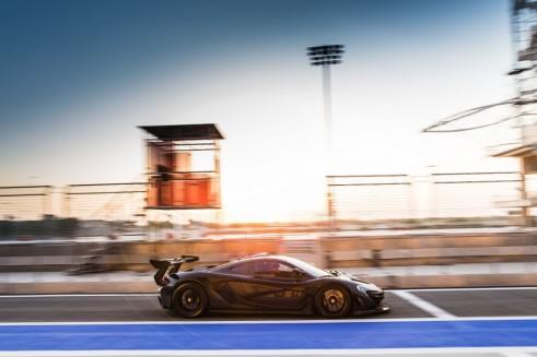 McLaren P1 GTR side - carwitter