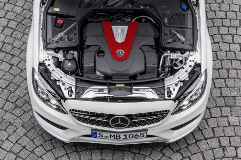 Mercedes C450 AMG Sport engine - carwitter