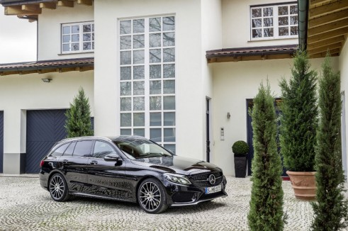 Mercedes C450 AMG Sport rear side - carwitter
