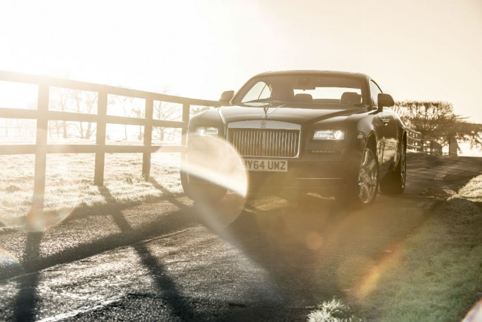 Rolls Royce Wraith Review Front Angle Olgun Kordal carwitter 700x468 - Rolls Royce Wraith Review - Ultimate GT - Rolls Royce Wraith Review - Ultimate GT