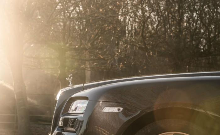 Rolls Royce Wraith Review Front Detail Olgun Kordal carwitter 700x432 - Rolls Royce Wraith drop top gets named - Rolls Royce Wraith drop top gets named