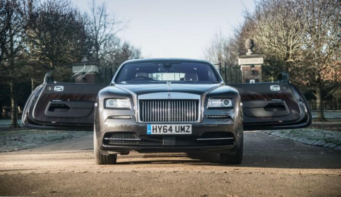 Rolls Royce Wraith Review Front Doors open Olgun Kordal carwitter 700x405 - Rolls Royce Wraith Review - Ultimate GT - Rolls Royce Wraith Review - Ultimate GT
