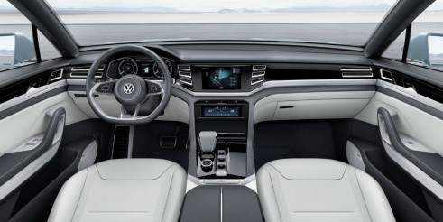 Volkswagen Cross Coupé GTE - Interior - carwitter