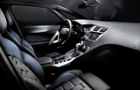 2015 Citroen DS5 - Interior - carwitter