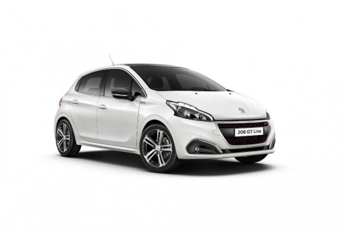 2015 Facelift Peugeot 208 - Front Angle - carwitter
