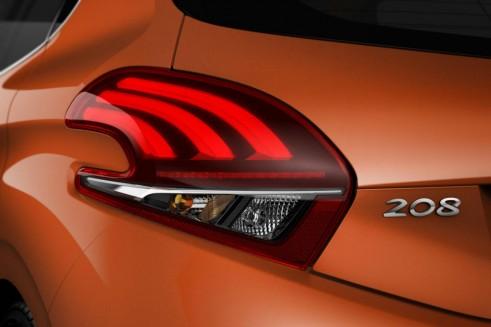 2015 Facelift Peugeot 208 - Rear Lights - carwitter