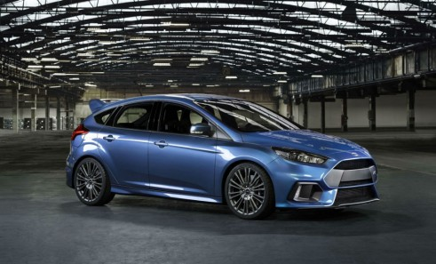 2015 Ford Focus RS - Side Shot - carwitter