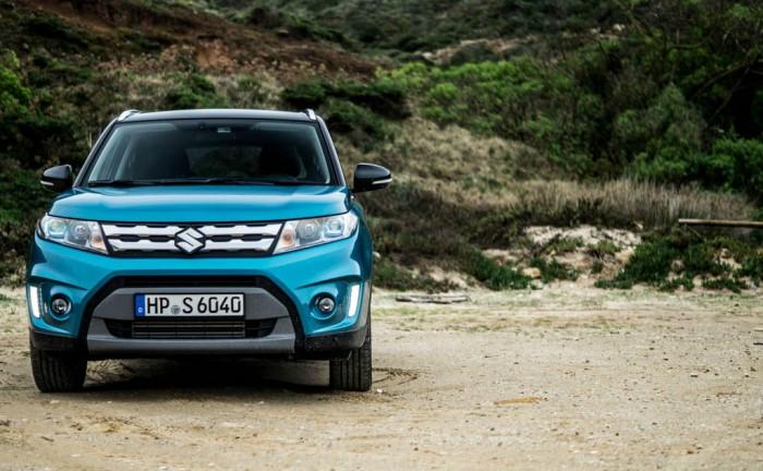 2015 Suzuki Vitara Review Front Side Carwitter 700x432 - 2015 Suzuki Vitara Review - 2015 Suzuki Vitara Review