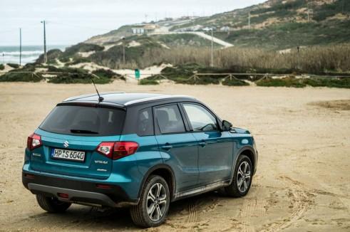 2015 Suzuki Vitara Review Rear Angle Scene Carwitter 491x326 - 2015 Suzuki Vitara Review - 2015 Suzuki Vitara Review