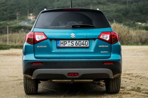 2015 Suzuki Vitara Review Rear Carwitter 491x326 - 2015 Suzuki Vitara Review - 2015 Suzuki Vitara Review