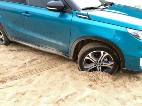 2015 Suzuki Vitara Review Sand Beach carwitter e1424817786585 491x367 - 2015 Suzuki Vitara Review - 2015 Suzuki Vitara Review