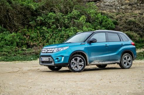 2015 Suzuki Vitara Review Side Scene Carwitter 491x326 - 2015 Suzuki Vitara Review - 2015 Suzuki Vitara Review