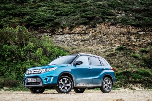 2015 Suzuki Vitara Review Side Scene Full Carwitter 491x326 - 2015 Suzuki Vitara Review - 2015 Suzuki Vitara Review