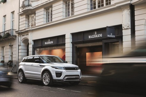 2017906401644355269 491x327 - 2016 Range Rover Evoque Revealed - 2016 Range Rover Evoque Revealed