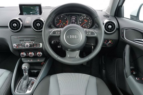 Audi A1 1.0 TFSI - Interior - carwitter