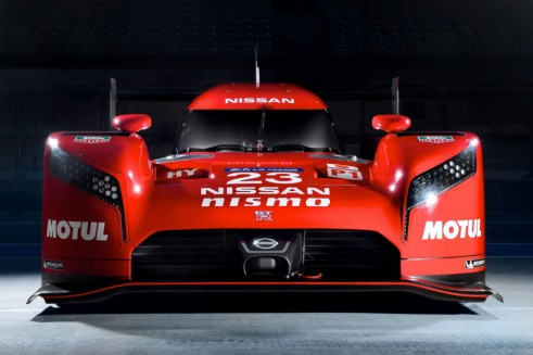 Nissan GT-R LM NISMO - Front - Carwitter